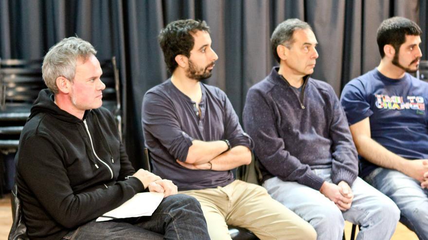 Germán Cano durante la reunión con los integrantes del Círculo Podemos Argentina.
