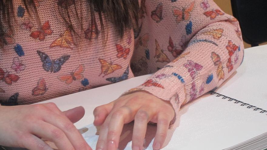 Más de 600 libros en euskera están disponibles en Braille y sistema sonoro para personas ciegas