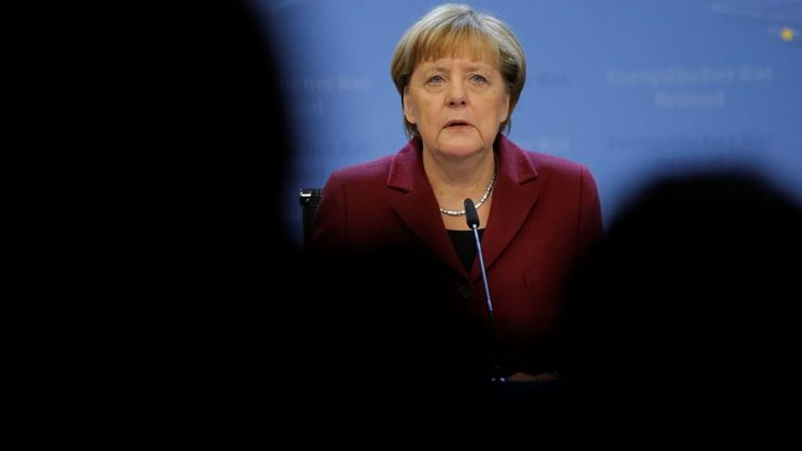 Merkel: Rusia e Irán deben asumir sus responsabilidades en Siria