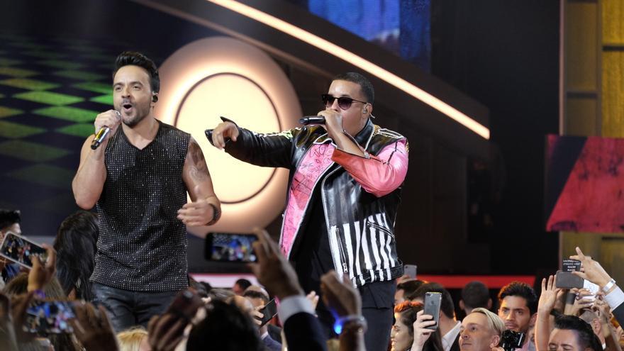 """Fonsi y Yankee recibirán el Billboard Canción Latina de la Década por """"Despacito"""