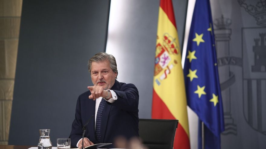 "Rajoy reclama a sus ministros ""dialogar mucho"", ""pactar mucho"" y ""consensuar mucho"""