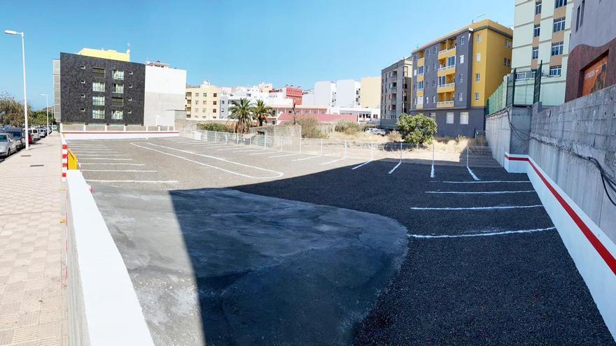 Nueva zona de aparcamiento.