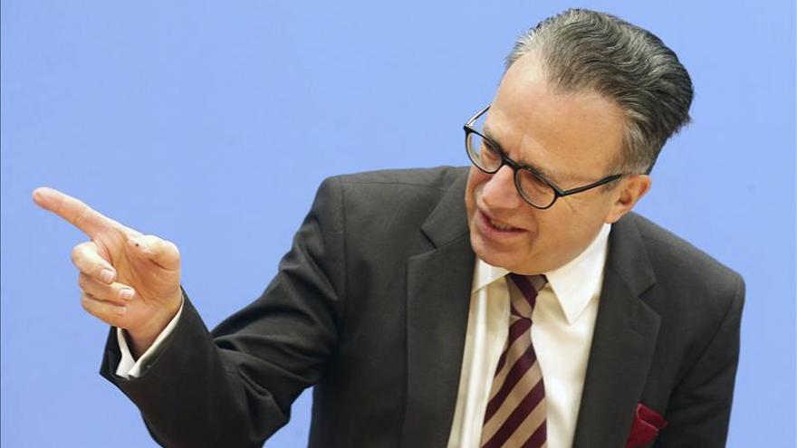 """Alemania admite un """"tapón"""" de hasta 770.000 peticiones de asilo por resolver"""