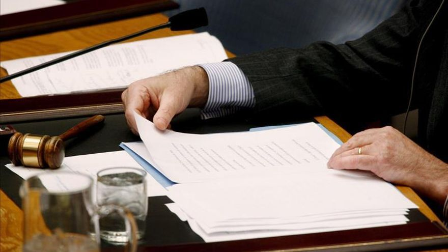 Fiscalía paraguaya decomisa documentos en Contraloría por denuncia a titular