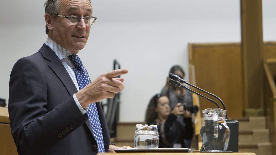 """Alonso acusa a Urkullu de """"escurrir el bulto"""" tras su apoyo a Sánchez y advierte que """"no le ha podido cobrar la factura"""""""