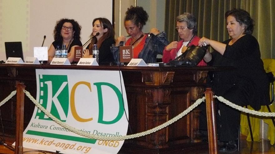 María Castejón, Iratxe Fresneda, Amal Ramsis, Marta Selva y Arab Loufti en la mesa redonda sobre mujeres y cine. /G. A.