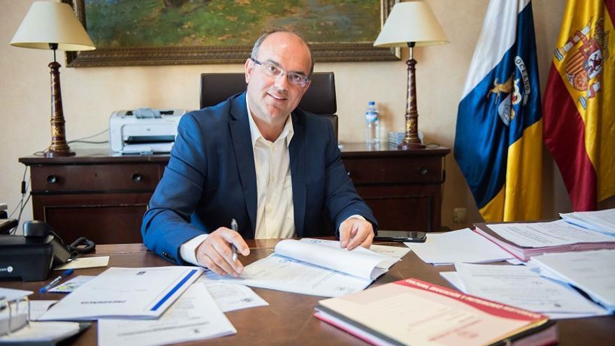 Anselmo Pestana es candidato del PSOE al Cabildo. Foto: CARLOS ACIEGO.