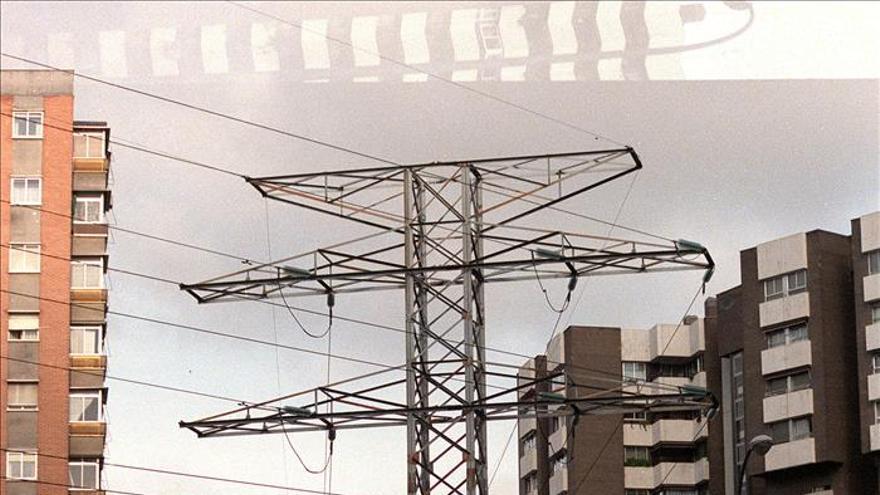 Los precios del mercado mayorista eléctrico bajan un 15,37 % en noviembre