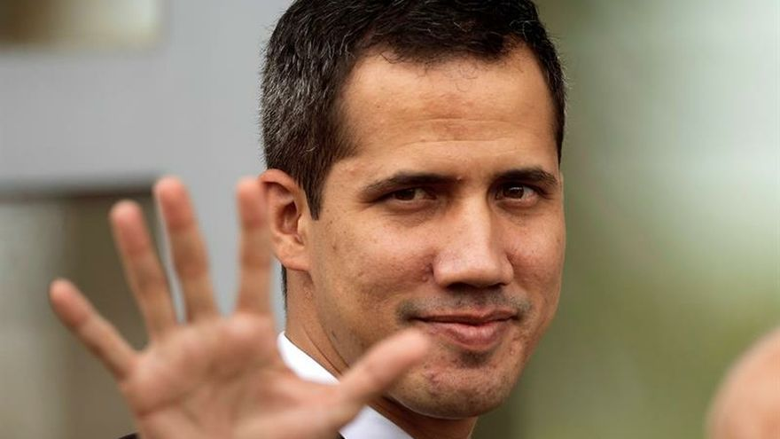"""Guaidó denuncia que un grupo civil armado intentó """"secuestrar"""" a su equipo"""