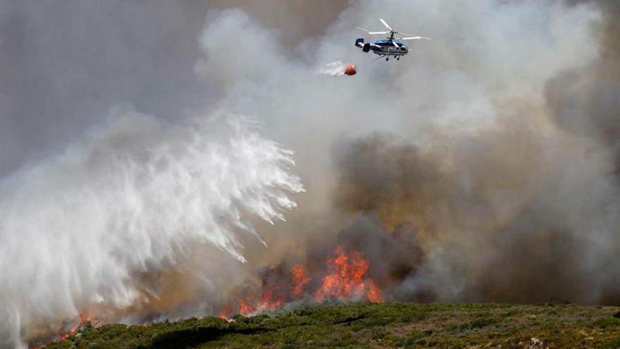Declarado nivel 1 de emergencias en el incendio de La Línea (Cádiz)