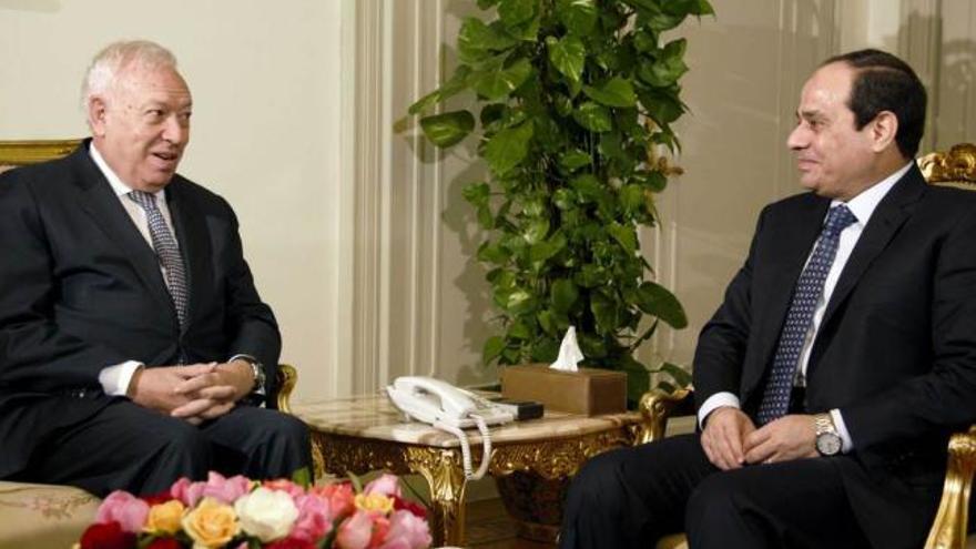 El ministro español de Exteriores, José Manuel García-Margallo, y el presidente de Egipto, Abdelfatah Al Sisi