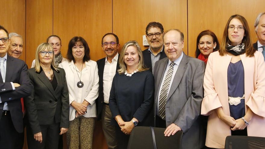 El PSOE registra una propuesta de ley para terminar con las cláusulas abusivas en los contratos