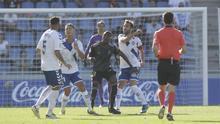 Jugada del encuentro CD Tenerife-Real Oviedo del pasado domingo en el Heliodoro