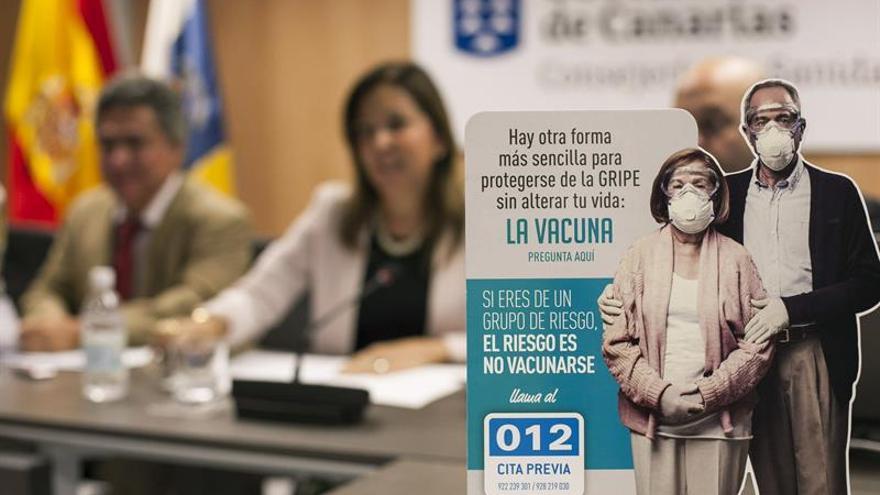 La consejera de Sanidad del Gobierno de Canarias, Brígida Mendoza, presentó la campaña de vacunación contra la gripe 2014-2015. Efe.