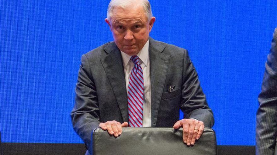 """El fiscal general de EE.UU. pide medidas """"drásticas"""" contra el consumo de opiáceos"""