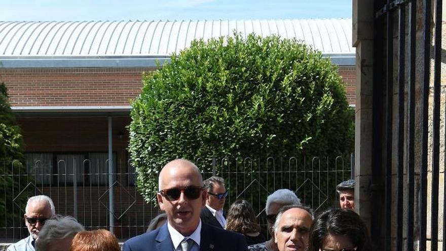 Leopoldo María Panero reposa ya en el panteón familiar de su Astorga natal