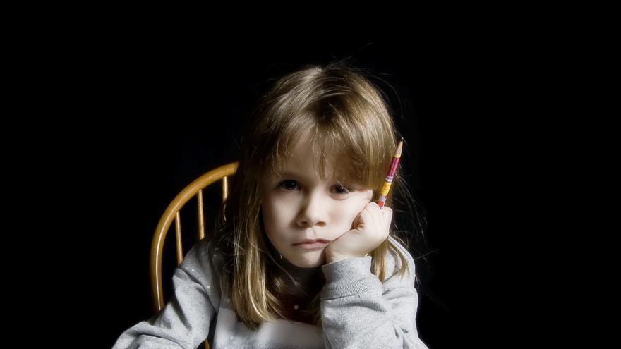Hacer los deberes se convierte para muchos niños en una tarea tediosa que fomenta el rechazo hacia el colegio y el mismo aprendizaje. \ Cayusa