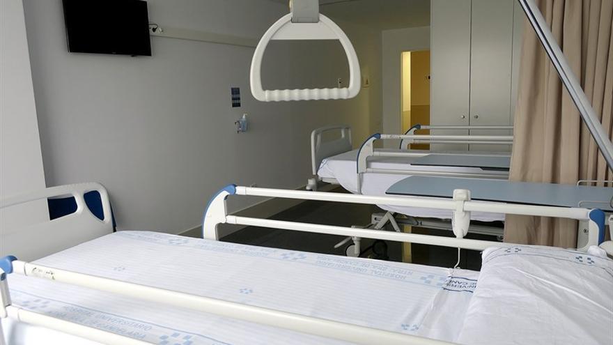 La sanidad pública cierra en verano en Canarias 312 camas, según CSIF