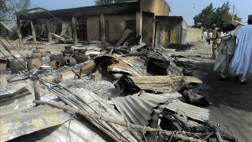 Al menos 6 muertos en un atentado en un mercado del noreste de Nigeria