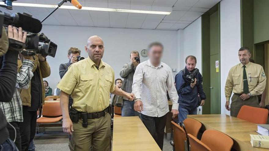 Alemania juzga a un hombre que iba a París con armas antes de los atentados