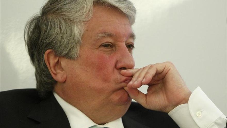 Arturo Fernández no piensa dimitir al frente de la patronal madrileña
