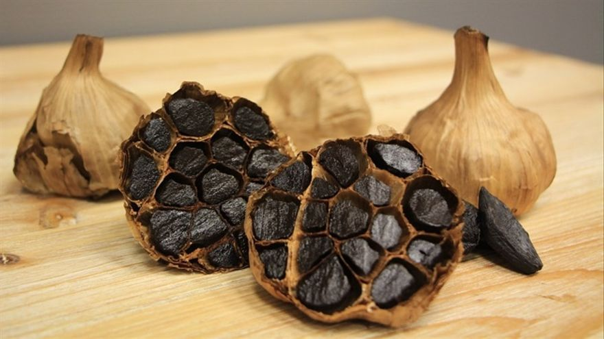 Ajo negro, una manera de comer ajo sin tener mal aliento