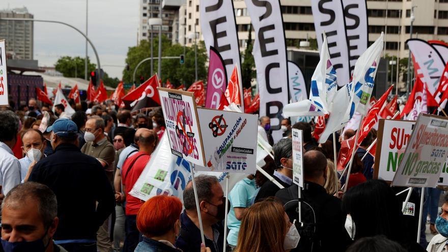 Última reunión para negociar el ERE de CaixaBank que coincide con una nueva huelga