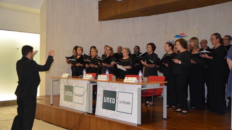 Actuación del Orfeón Elías Santos  Abreu de Los Llanos de Aridane.