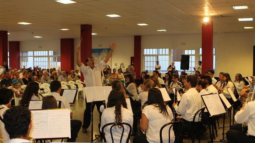 En la imagen, la banda municipal de música de El Paso, el martes, 1 de septiembre, durante su actuación en el 'XIX Encuentro de Música Ciudad de El Paso'