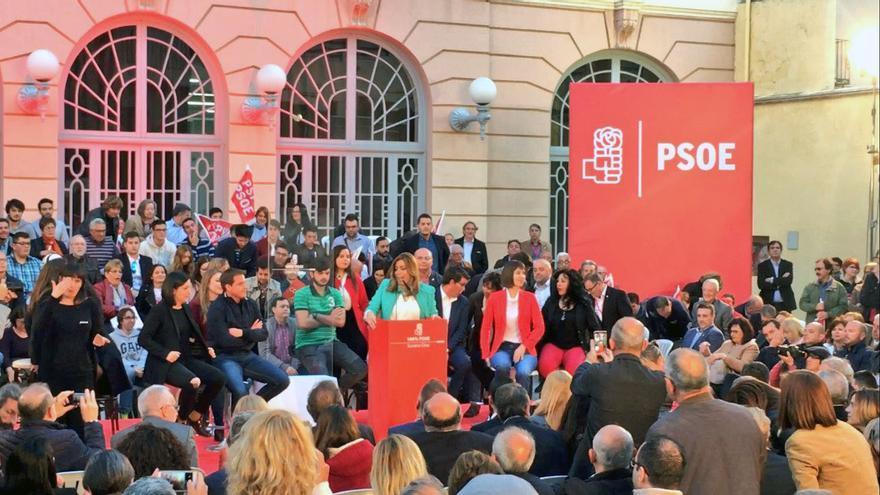La socialista Susana Díaz protagoniza un acto de la campaña de primarias en Xàtiva