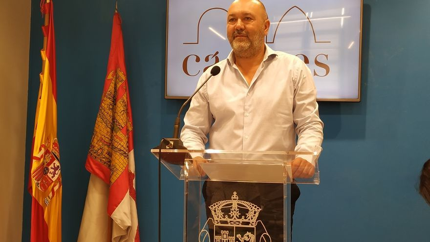 Cs suspende cautelarmente de militancia a su portavoz en el Ayuntamiento de Cáceres por críticas tras el 10N