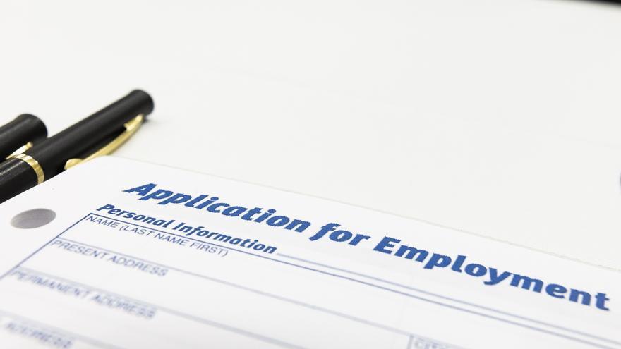 Bajan a 406.000 las solicitudes semanales del subsidio de desempleo en EE.UU.