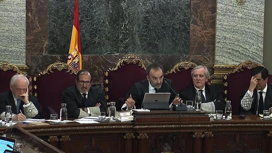 """Los antidisturbios retoman sus relatos de violencia en el juicio del """"procés"""""""