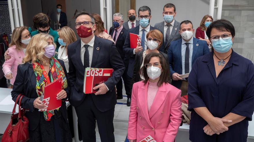 """El PSOE defiende cambiar el """"corrupto"""" e """"indecente"""" Gobierno de Murcia"""