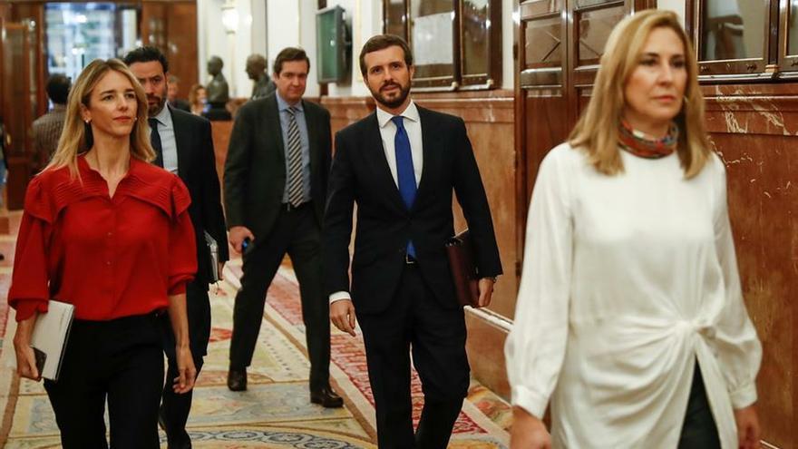 """El PP recrimina a Sánchez en el Congreso que apruebe medidas de """"gravedad"""" sin dialogar con la oposición"""