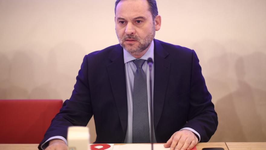 Vox se querella contra Ábalos en el Supremo por prevaricar en su encuentro de Barajas con Rodríguez