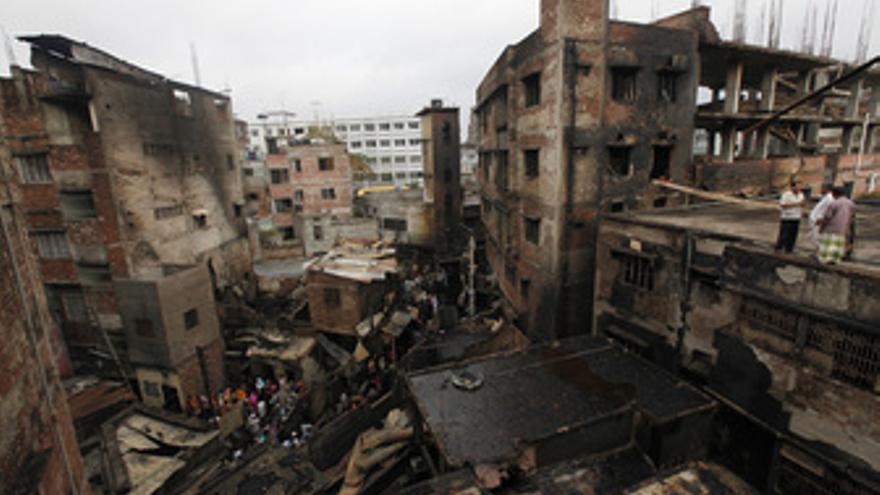 Incendio en el casco viejo de Dacca, la capital de Bangladesh