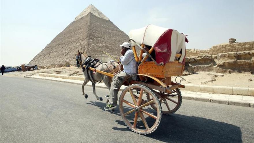 Egipto contrata empresas privadas para limpieza y seguridad de las Pirámides