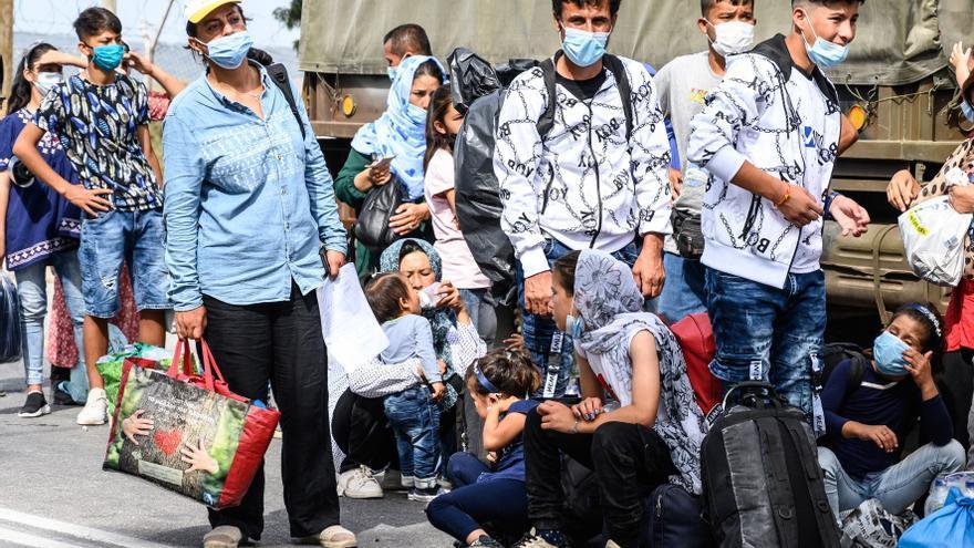 Grecia comienza el desalojo del campo de refugiados de Kara Tepe, en Lesbos