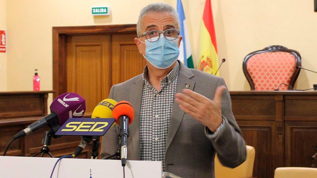 El alcalde de Lucena, Juan Pérez.