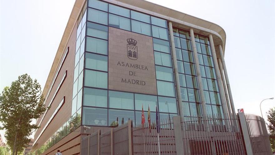 La jefa de protocolo dice que no fue legal modificar los pliegos de los contratos de la Asamblea