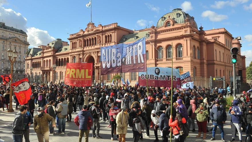 Grupos de izquierda argentina protestan por el pago de deuda al Club de París