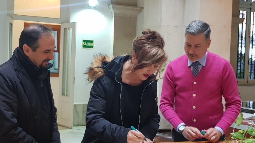 La activista Mar Cambrollé dona al Archivo General sus documentos de lucha por la liberación sexual en el postfranquismo