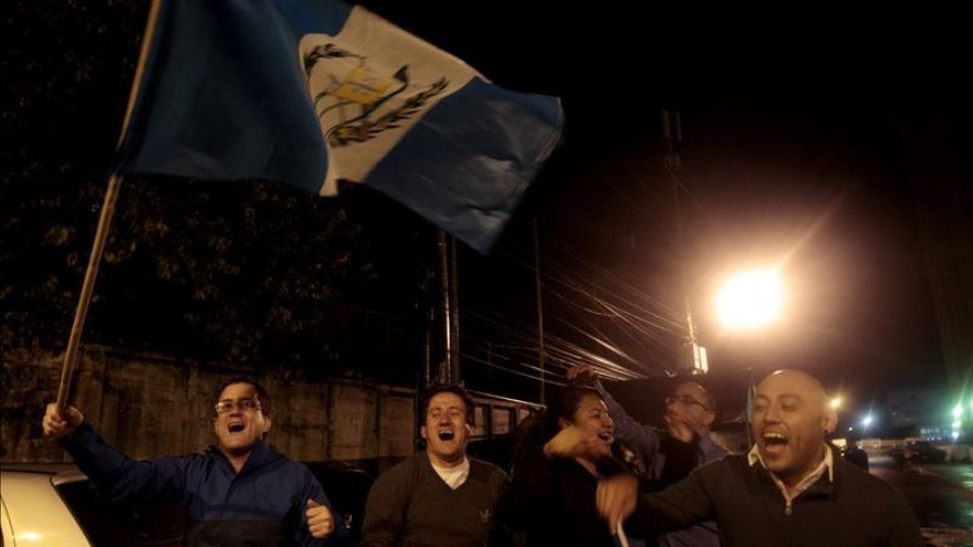 Los guatemaltecos salen a la calle a celebrar la dimisión de Pérez Molina