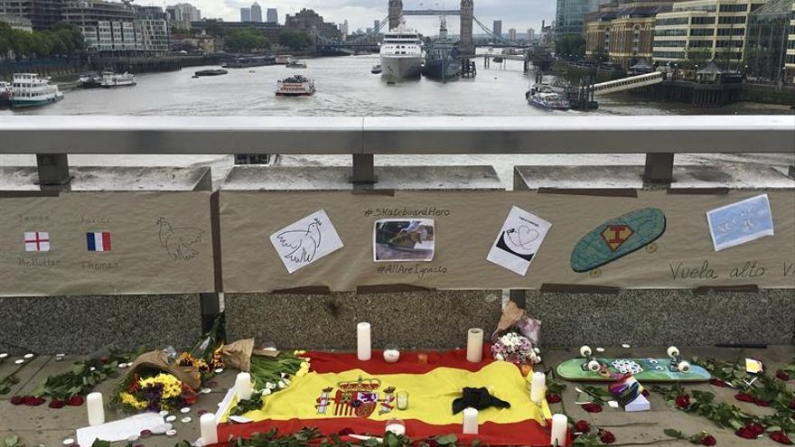 """Johnson alaba la """"valentía"""" del español fallecido en el atentado del puente Londres"""