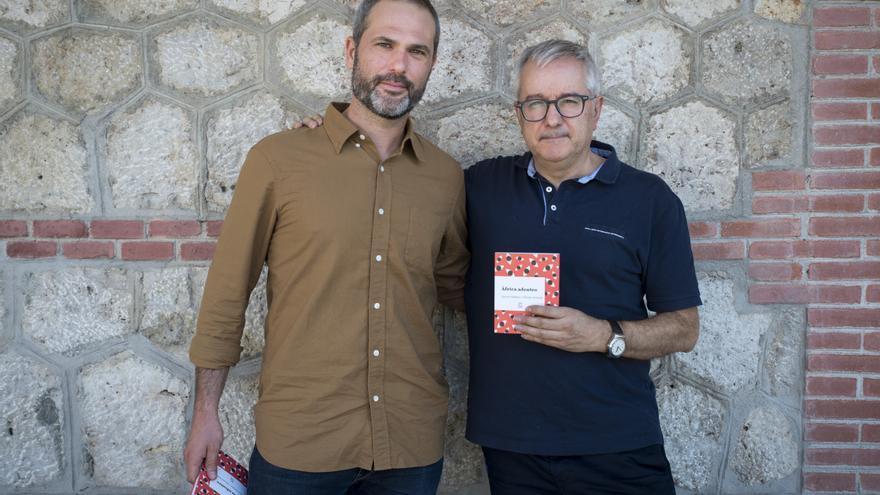 Xavier Aldekoa y Alfonso Armada durante la presentación de 'Africa adentro'.