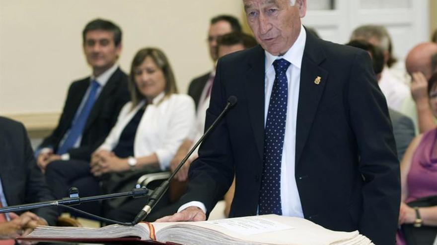 La Fiscalía denuncia por prevaricación al alcalde de Roquetas Gabriel Amat (PP)