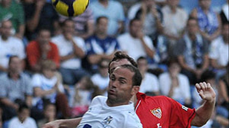 El Sevilla doblega al Tenerife con más trabas de las presagiadas (1-2)