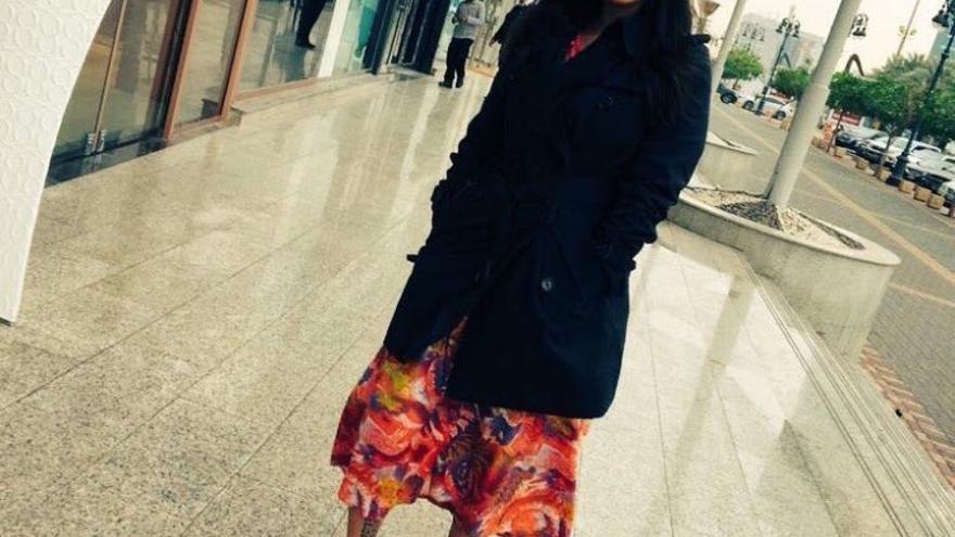 Malak al-Shehri compartió una fotografía sin pañuelo y ahora ha sido arrestada // Twitter