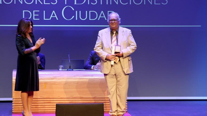 Antonio Moreno, entrenador del Rocasa, Medalla al Mérito Deportivo de Telde